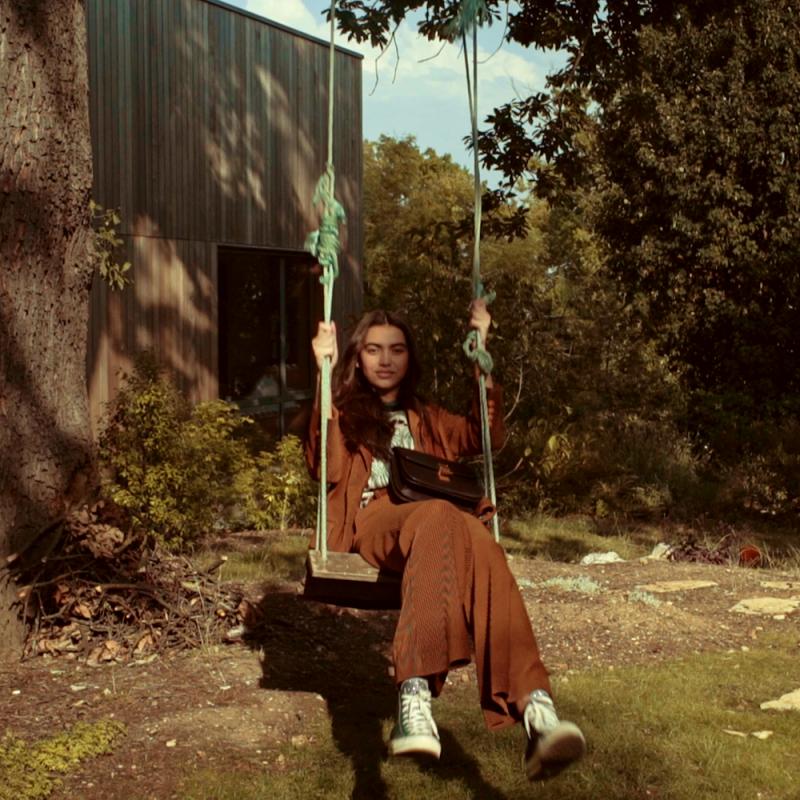vestiaire_collective_autumn__paloma_pineda_02